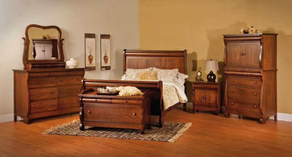 Old Classic Sleigh Bedroom Collection